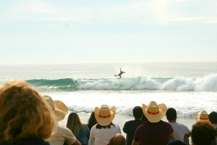 Kelly_Slater_in_Peniche_Surfen